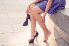 ¿Qué sucede en nuestro pie cuándo usamos tacones altos?